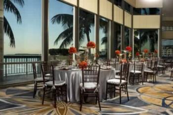 Intercontinental Miami near Cruise Port of Miami